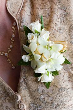corsage mother of the bride ranaculus | mother of the bride corsage. @Lisa Peasley I like this for the women's corsage.