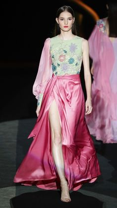 Hannibal Laguna Madrid Spring/Summer 2020 Fashion Show Fashion 2020, Fashion Show, Fashion Trends, Vogue Paris, Backstage, Off Shoulder Outfits, Beautiful Outfits, Cute Outfits, Beautiful Clothes