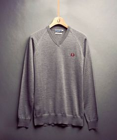 Fred Perry - V Neck Merino Sweater