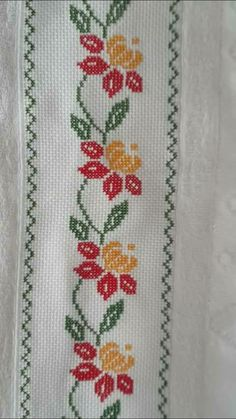 This Pin was discovered by Zey Cross Stitch Borders, Cross Stitch Flowers, Cross Stitch Designs, Cross Stitching, Cross Stitch Patterns, Hand Embroidery Stitches, Ribbon Embroidery, Cross Stitch Embroidery, Embroidery Patterns
