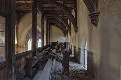 Opuszczony kościół ewangelicki z lat 1785-1788 w powiecie kaliskim