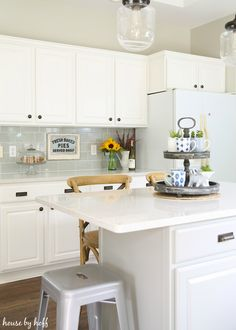 Modern Farmhouse Kitchen 11