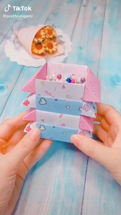 Diy Crafts Hacks, Diy Crafts For Gifts, Diy Arts And Crafts, Creative Crafts, Fun Crafts, Decor Crafts, Paper Flowers Craft, Paper Crafts Origami, Paper Crafts For Kids