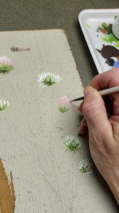 This was the first time I tried to paint clover and it was so much fun! I am painting these on reclaimed pieces of tan fencing. I hope you enjoy this painting video. Clover Painting, Tole Painting, Diy Painting, Painting On Wood, Fabric Painting On Clothes, Fabric Paint Shirt, Acrylic Paint On Wood, Pallet Painting, Watercolor Flowers