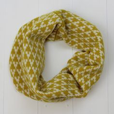 Someone told me I should make shorter scarves for biking, and tada! The mini cowl was created!