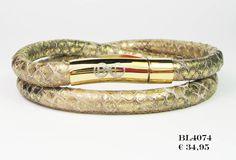 Mooie lederen wikkel armband van het merk B & L Steel & Leather Slot: Rond staal Goud (12) Breedte armband: 6 mm Kleur: Goud-Bruin-Beige Verkrijgbaar in de mate