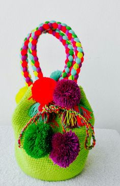 Diy Bags Easy, Mochila Crochet, Potli Bags, Diy Clutch, Fabric Bags, Crochet Chart, Crochet Home, Knitted Bags, Flower Tutorial