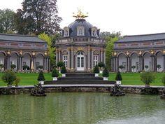 Bayreuth a kastélyok és lovagvárak városa Mansions, House Styles, Home Decor, Baroque, Google Search, Bayreuth, Tropical Rain Forest, Opera House, Best Music