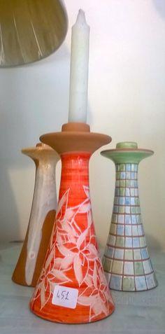 Portacandela in ceramica per rendere romantiche e piacevoli le tue serate in compagnia. Prenota su Cittaweb, e paghi scontato presso la bottega Il Girasole