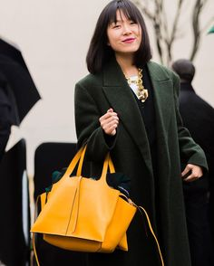 #mulpix Celine 'Tri-Fold' Bag on the street of  #PFW  #Repost from @thecut  #Celine_TH  #CelineTrifold
