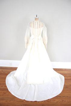 Vintage Wedding Dress // 1950s Ivory Wedding Dress by adVintagous