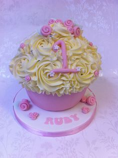 Giant Cupcake - Ruby's 1st Birthday by Cirencester Cupcakes, via Flickr
