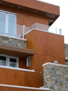 Project: Conquer Good Residence | Architect: Holmes on Homes | Product: Parklex Facade, Copper | Photographed By: Richard Bennett |