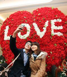 Valentine Mall Decorations 2014 - love rose