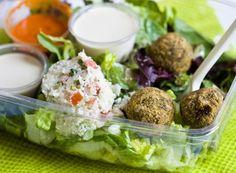 old-lucky-duck-takeaway-falafel-salad