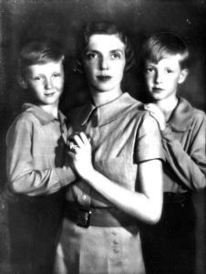 Photo by Unknown Artist of Princess Mafalda (Mafalda Maria Elisabetta Anna Romana di Savoia) (2 Nov 1902-27 Aug 1944 Germany age 41) Italy & 2 sons. Wife of Prince Philipp (6 Nov 1896-25 Oct 1980  Italy age 83) Hesse. 2nd Child of King Victor Emmanuel III (1869-1947 Egypt age 78) Italy & Elena (1873-1952 France age 79) Montenegro. Hitler ordered her put in Nazi Buchenwald Concentration Camp, Ettersberg, Germany where she died.