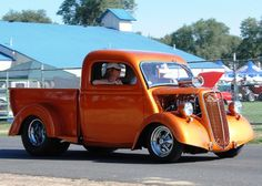 Ford Thames pickup - You knew that - Margaret Huntley 1954 Chevy Truck, Dodge Pickup Trucks, Custom Pickup Trucks, Vintage Pickup Trucks, Classic Pickup Trucks, Hot Rod Trucks, Cool Trucks, Classic Trucks Magazine, Veteran Car
