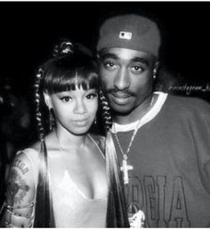Lisa 'Left Eye' Lopes and Tupac Shakur Tupac Shakur, 90s Hip Hop, Hip Hop Rap, Lisa Left Eye, Photographie Indie, Tupac Pictures, Rapper, Tupac Makaveli, Arte Hip Hop
