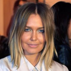 Lara Bingle... Damn girl you have made some poor choices, but I'm enjoying your look this year. I would backflip for hair this gorgeous!