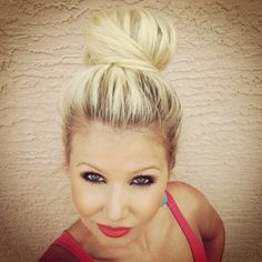 """So my coworker just walked in and said she like the bun on top of my head. I have been wanting to try the """"top knot"""" via CaraLoren' since . Wedding Hair And Makeup, Wedding Beauty, Hair Makeup, Dream Wedding, Bun Hairstyles, Pretty Hairstyles, Wedding Hairstyles, High Updo, Bridal Bun"""