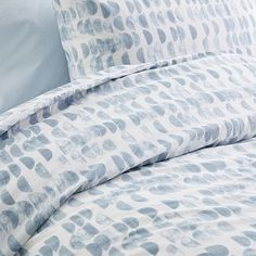 We're over the moon for this playfully patterned bedding, woven of pure organic cotton. Layer it over solid bedding for a fresh, simple look—and you'll sleep even easier knowing that it's made in a Fair Trade Certified™ facility. Best Bedding Sets, Bedding Sets Online, King Comforter Sets, Blue Duvet, Blue Bedding, Linen Bedding, Bed Linens, West Elm Bedding, Cheap Bed Sheets