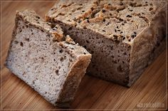 Wow, I don't know if banana bread can get any better than this! Think about it. -Banana and peanut butter are a match made in heaven. -Banana bread is Peanut Butter Banana Bread, Best Banana Bread, Peanut Butter Cups, Just Desserts, Delicious Desserts, Dessert Recipes, Yummy Food, Tasty, All I Ever Wanted