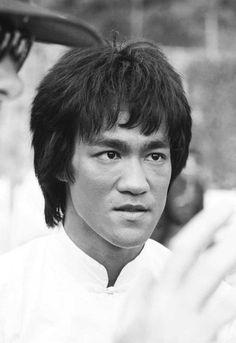 Photo Bruce Lee Art, Ben Bruce, Bruce Lee Martial Arts, Bruce Lee Quotes, Artiste Martial, Martial Artist, Brandon Lee, Kung Fu, Karate