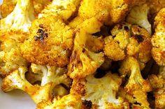 Con il cavolfiore alla curcuma in tavola arrivano salute, colore e bontà, tre ingredienti per una ricetta assolutamente perfetta.