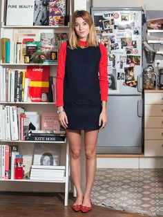 【ELLE】赤×紺のガーリーシックな配色が新鮮|エル・オンライン