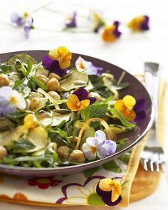 Recette fleurie de salade de courgettes et de pois chiches