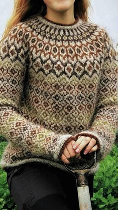 lovely pattern, wonder where to by it Fair Isle Knitting Patterns, Knitting Machine Patterns, Fair Isle Pattern, Sweater Knitting Patterns, Knitting Stitches, Knit Patterns, Punto Fair Isle, Winter Sweaters, Sweaters For Women