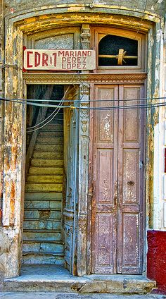 Beautiful Havana Door. A guide to the city is up on theculturetrip.com right now. Photo by Artypixall
