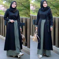Jb LISTIA MAXY PR001 Harga 93.000 Bahan balotelly mix katun warna : dusty,millo ,navy ,black Ukuran all size fit to L  Informasi dan pemesanan hubungi kami SMS/WA +628129936504 atau www.ummigallery.com  Happy shopping   #jilbab #jilbabbaru #jilbabpesta #jilbabmodern #jilbabsyari #jilbabmurah #jilbabonline #hijab #Kerudung #jilbabinstan #Khimar #jilbabterbaru #jilbab2018 #jilbabkeren #jilbabmodis #bajumuslim #gamis #syari #jilbabhitz #jilbabinstan #grosirjilbab Muslim Long Dress, Orange Turtleneck Sweater, Dress For You, Casual Dresses For Women, Instagram Fashion, Beachwear, Street Wear, Winter Fashion, Stylish