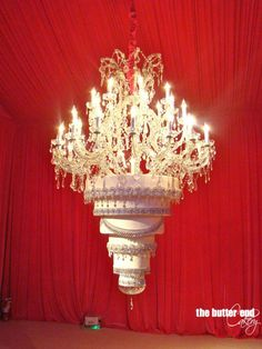 chandelier wedding cake - not really sure how that works.