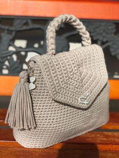 Marvelous Crochet A Shell Stitch Purse Bag Ideas. Wonderful Crochet A Shell Stitch Purse Bag Ideas. Crochet Shell Stitch, Bead Crochet, Cute Crochet, Crochet Handbags, Crochet Purses, Crochet Bags, Christmas Knitting Patterns, Crochet Patterns, Bag Pattern Free