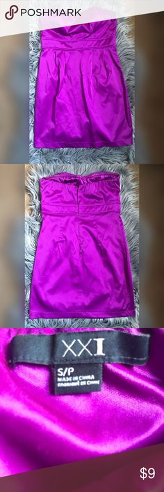 💜Forever 21 club dress Beautiful dress that fits tight and curves around your body. Perfect party dress, strapless with padding in chest so no need for a bra. 24 and a half inches in length. The bust is about 34 inches around. Worn once but in great condition. Offers welcome but no trades. Forever 21 Dresses Strapless #clubdresses