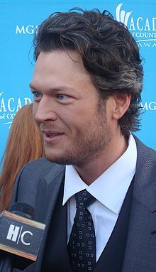 Blake Shelton lors des 45 e Academy of Country Music Awards , en 2010. What do you get if you combind IM and SEO? MONEY!