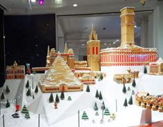 Selfriges-gingerbread-window-christmas-2013-1.JPG 1,600×1,248 pixels Gingerbread Village, Christmas Gingerbread House, Love Holidays, Holiday Recipes, Spices, Spice
