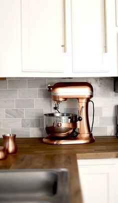 Countertop appliances don't have to be an eyesore. Instead, find ways to incorporate them into your kitchen decor. Take this KitchenAid Professional Stand Mixer as an example. Home Decoracion, Design Furniture, Gold Furniture, Furniture Plans, Kids Furniture, Vintage Modern, Kitchen Aid Mixer, New Kitchen, Kitchen Ideas
