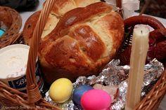 Paska - a slightly eggy and sweet Ukranian Easter Bread Slovak Recipes, Ukrainian Recipes, Ukrainian Food, Russian Recipes, Bread Machine Recipes, Bread Recipes, Easter Recipes, Dessert Recipes, Desserts