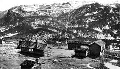 Svart-kvit foto frå Gamle Aal 1 Black White Photos, Black And White, Old Photos, Norway, Vikings, Books, Movie Posters, Collection, Art