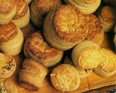 Hungarian cake Recipe For Hungarian Goulash, Hungarian Recipes, Sausage Recipes, Bread Recipes, Chicken Recipes, Hungarian Cake, Hungarian Food, Hungarian Cuisine, Muffin