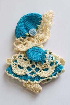 Sunbonnet Sue Magnet Fridge magnet Magnet Refrigerator magnet by WishnWellGifts Thread Crochet, Crochet Dolls, Knit Crochet, Crochet Hats, Felt Fairy, Witch Decor, Sunbonnet Sue, Half Dolls, Doll Accessories