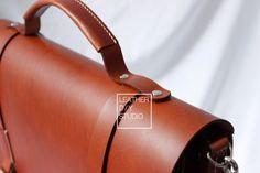 Messenger bag pattern instruction included/build along | Etsy