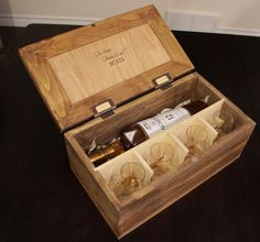 Personalized Scotch Whiskey Gift Box for Wedding Gift Groomsmen Whiskey Gifts, Cigars And Whiskey, Scotch Whiskey, Wooden Gift Boxes, Wood Boxes, Homemade Wood Stains, Flower Box Gift, Wood Shop Projects, Campaign Furniture