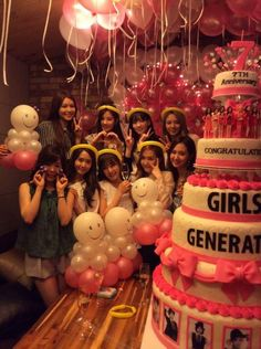 Girls' Generation celebrate their 7th anniversary in advance | http://www.allkpop.com/article/2014/07/girls-generation-celebrate-their-7th-anniversary-in-advance