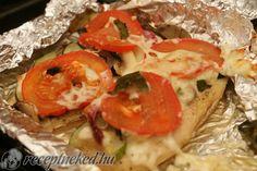 Zöldséges csirkemell diétásan Bruschetta, Bagel, Spaghetti, Mexican, Bread, Chicken, Healthy, Ethnic Recipes, Easy