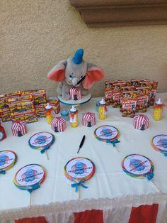 Dumbo shower Dumbo Birthday Party, Circus Birthday, Baby Birthday, Circus Theme, Dumbo Baby Shower, Baby Dumbo, Baby Baby, Elephant Party, Elephant Baby Showers