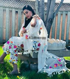 Indian Fashion Trends, India Fashion, Indian Dresses, Indian Outfits, Pakistani Casual Wear, Punjabi Salwar Suits, Traditional Clothes, Embroidery Fashion, Block Prints