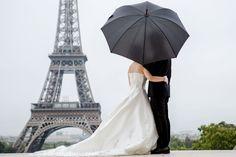©Photographer #MagdalenaMartin #MMPhotoart #Paris #romantic #wedding #eiffel #marriage #elopement #eiffeltower #parisphotography #Paris elopement, #Paris elopement, #paris #wedding elopement, #marriage in paris, #photographer in Paris, #wedding in Paris, #French weddings #blackumbrella ©Photographer Magdalena Martin